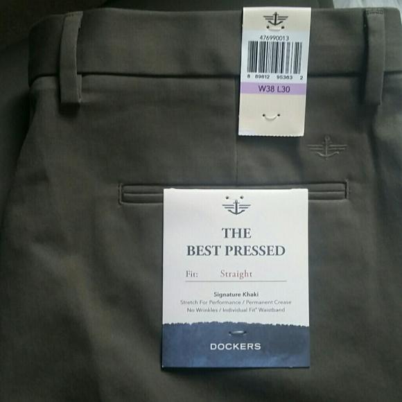 Men/'s Dockers Best Pressed Signature Khaki Classic Fit Flat Front Cotton Pants